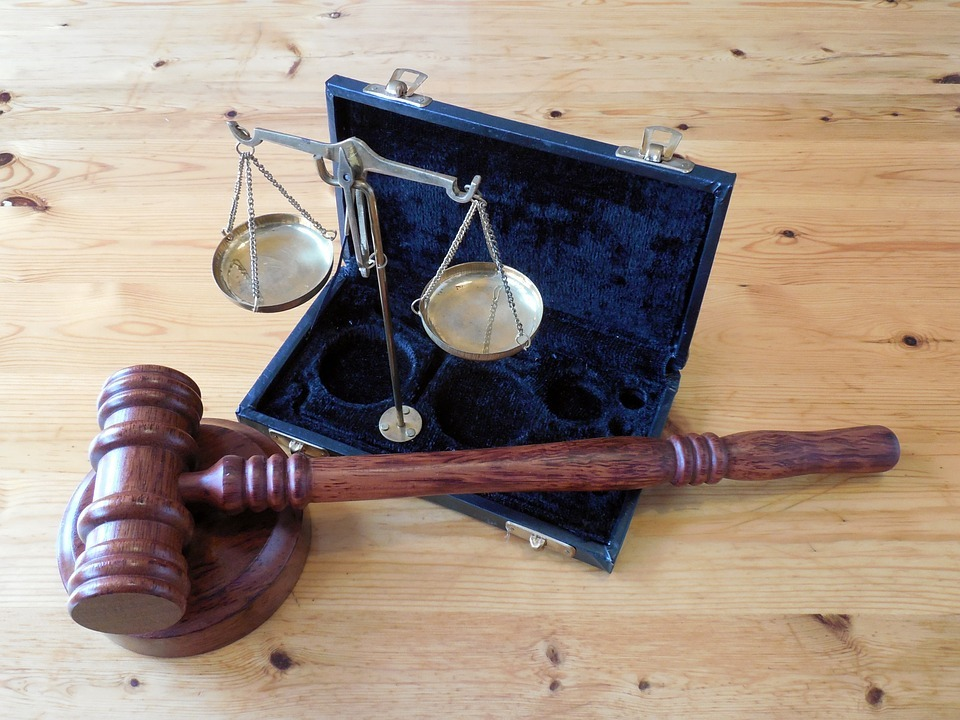 How to Select A Good Lawyer for Your Case
